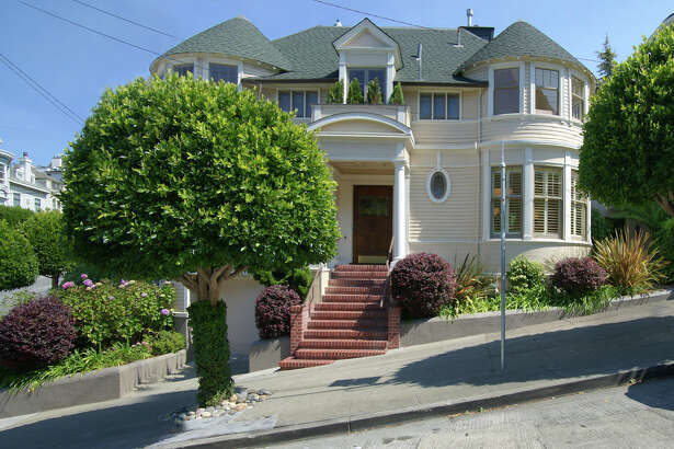"""The iconic """"Mrs. Doubtfire"""" house at  2640 Steiner St.  is going on the market for $4.45 million."""