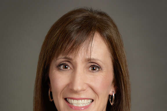 Dineen Hughes has joined Oppenheimer & Co. as associate director – investments in their Woodlands location. With her over 27 years as an investment professional, she will focus on comprehensive investment planning and wealth management.