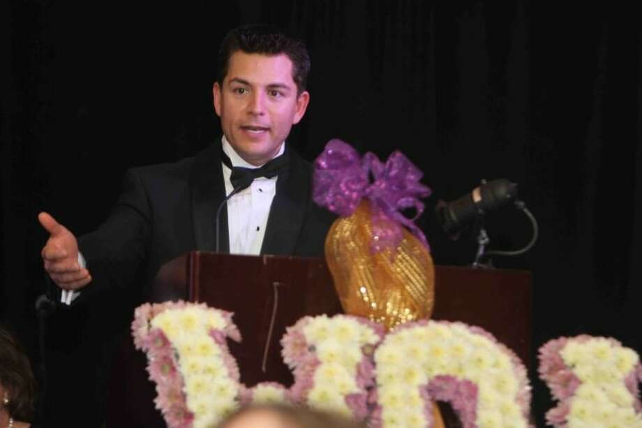 Eric Barajas, of ABC 13, introduces the winners of the 2013 Woman of Achievement award at the FamilyTime Women of Achievement Gala on Jan. 26, 2013.