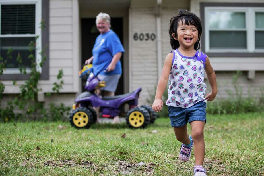 Olivia Reichard, 4, has intense speech problems related to a bilateral cleft palate, but her mother said HISD initially would not agree to place the girl in a special education preschool program. Photo: Marie D. De Jesus, Staff / © 2016 Houston Chronicle