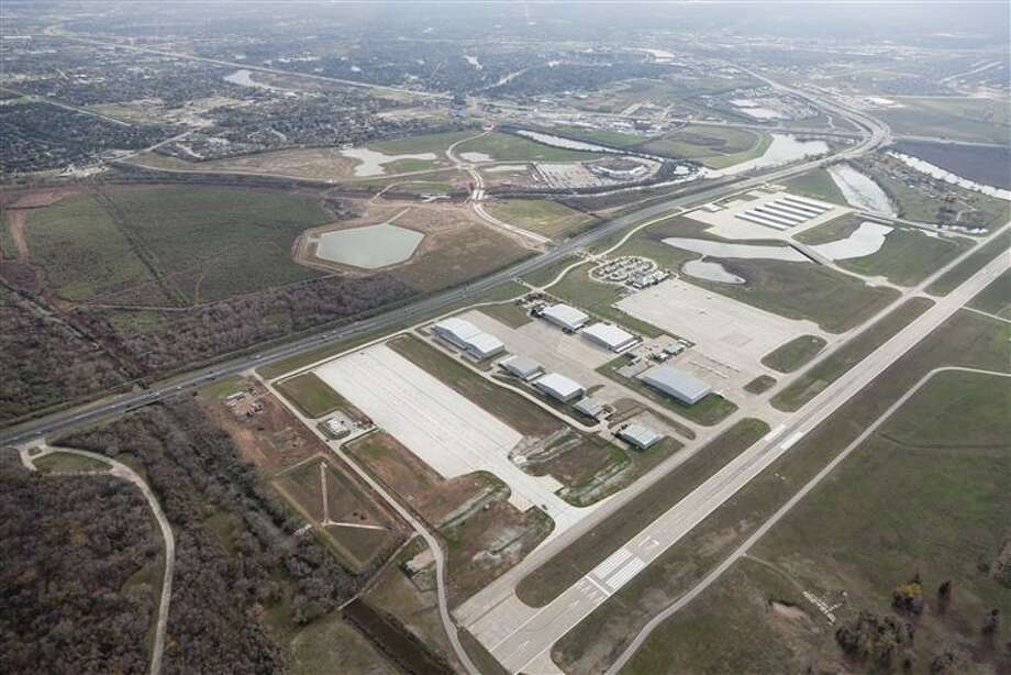The Sugar Land Regional Airport recently opened up its new Taxilane Juliette at a ribbon cutting ceremony last month. The new project creates up to seven sites for corporate hangars, which are estimated to provide 700,00 per year from leases and fuel sales. Photo: The Positive Image