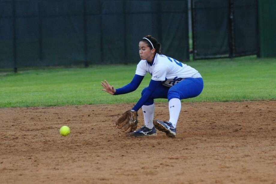 Tori Homer returns at second base as part of a strong returning infield for the Lady Mustangs. Friendswood should contend for a playoff beth in a newly-realigned District 24-4A. Photo: KIRK SIDES