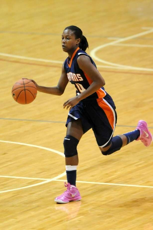 Seven Lakes' junior guard Christen Inman and the Seven Lakes girls basketball team are looking for a deep playoff run this year. Photo: Craig Moseley/PhotosByMose.com