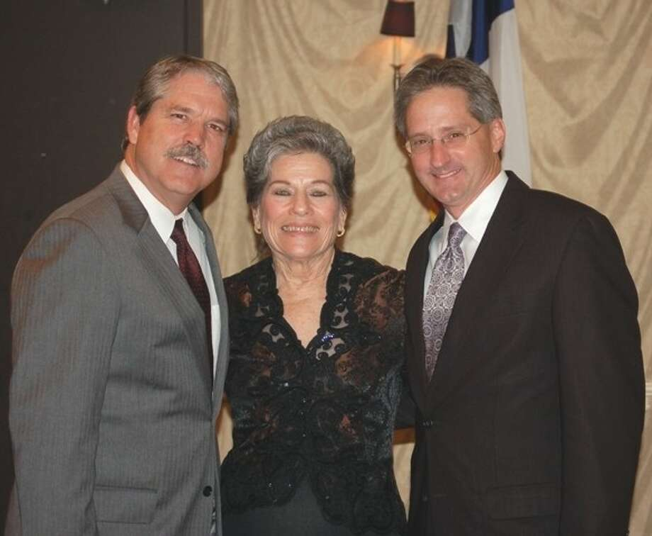 State Representative Larry Taylor (left) spoke at a recent meeting for the Houston-Galveston Area Council (H-GAC). At that same meeting, City of Manvel Mayor Delores Martin and City of Pasadena Councilman Darrell Morrison were recognized as the new board members for the H-GAC board.