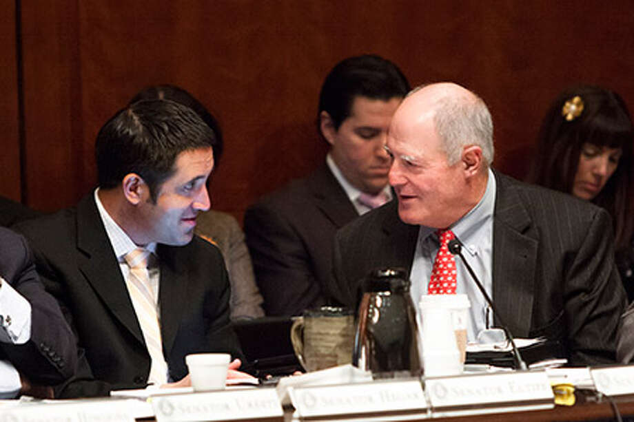 Amarillo Sen. Kel Seliger (right) talks with Sen. Glenn Hegar of Katy at a joint briefing on the drought before the Senate and House Natural Resources Committees. / Texas Senate Media Services