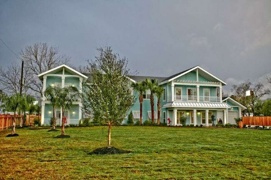 Full view of the Beach's new home. www.danielwangphotography.com