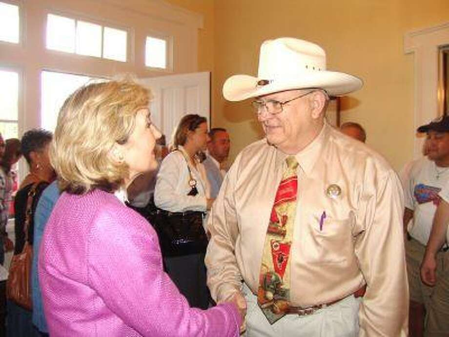 Sen. Kay Bailey Hutchison meets Liberty County Sheriff Greg Arthur.