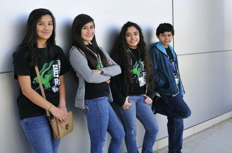 (left to right) Pasadena Early College High School students Leslie Araujo, Eva Fuentes, Cynthia Maldonado, and Edward Luna. Photo credit: Jeannie Peng-Armao, San Jacinto College marketing department Photo: Jeannie Peng-Armao