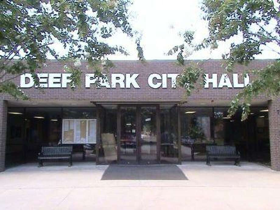 The city will have a public hearing on the $54.4 million budget for the fiscal year 2008-09 on Tuesday, August 12, at 6 p.m. at City Hall on 710 East San Augustine St. The city may reduce the tax rate from 72 cents to 70.5 cents per $100 of value while it is expected to raise the water and sewer fees by about 4 percent.