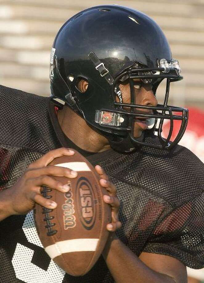 Junior Jacoby Walker will return at staring quarterback to anchor the Westfield offense in 2008. / Patric Schneider