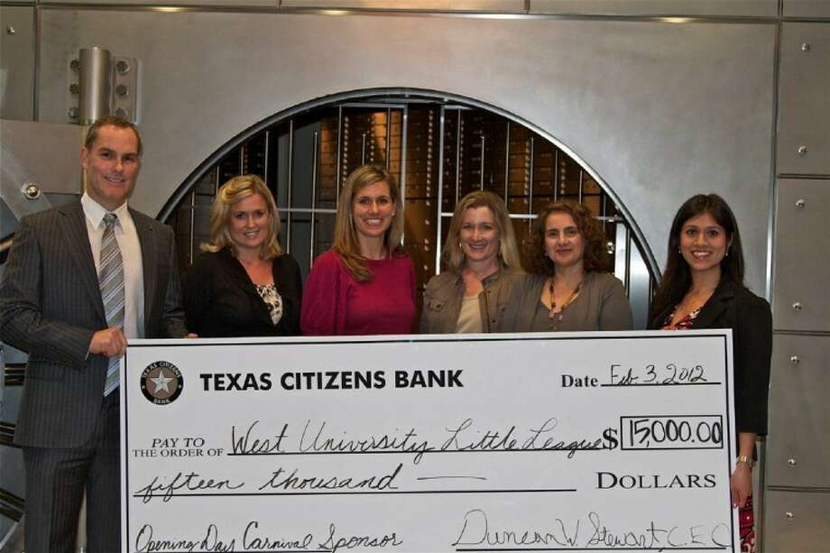 Texas Citizens Bank Chairman and CEO Duncan Stewart, VP and Banking Center Manager Irene Duque along with West U Little League Carnival Chairs Susanna DePinho, Kari Findley, Blair Manley and Amanda McGee. Texas Citizens Bank is the Grand Carnival Sponsor for a third year in a row. Photo: Submitted Photo