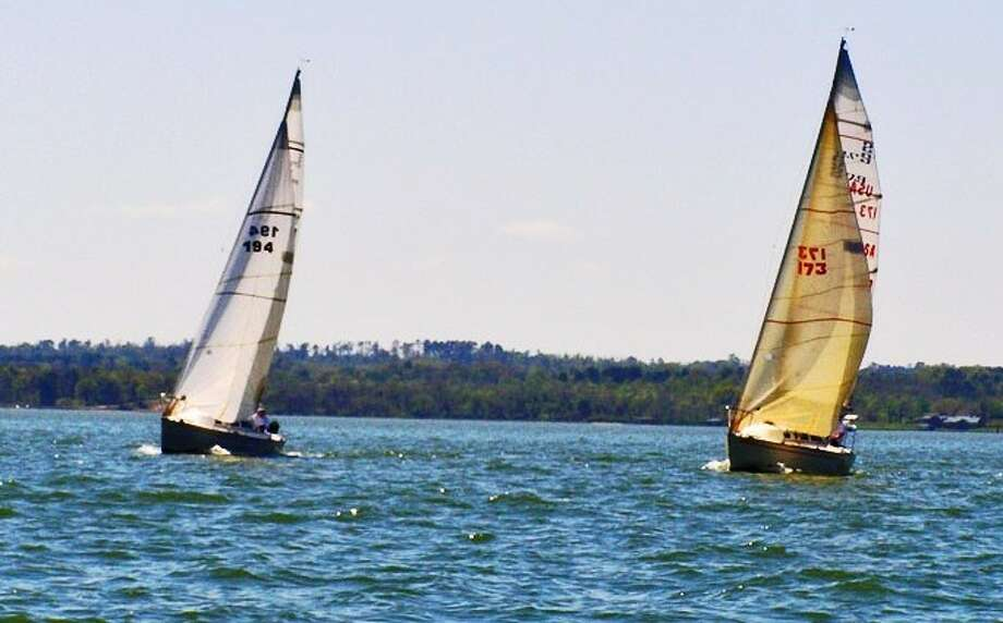 The Tier 2 S2 7.9s, S2pendous (left) and Doodad (right), get ready to start their second race of the day.