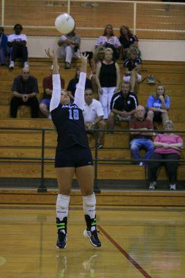 Senior setter Ashley Brown will fill the shoes of last year's standout setter Lauren Drabing.