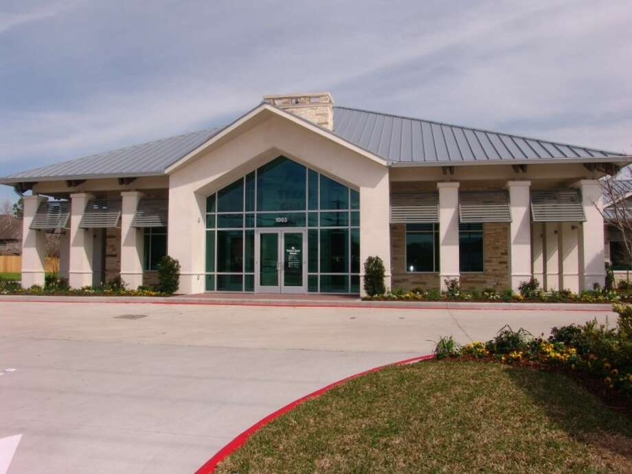 Texas Gulf Bank is on Friendswood Drive, across from City Hall. Photo: JEFF NEWPHER