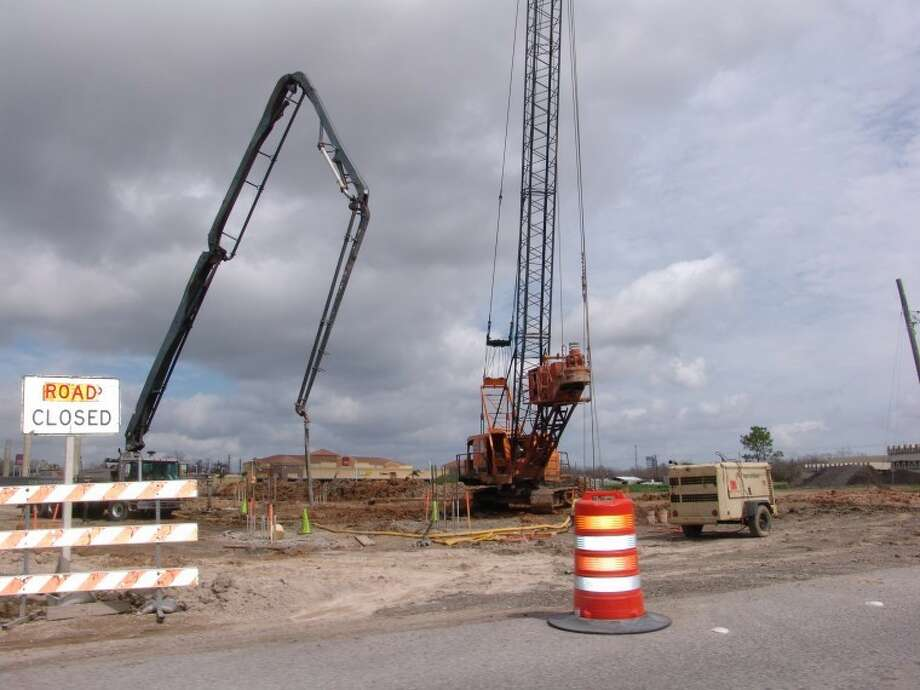 Construction on State Hwy 146 will shutdown the highway this weekend.  Photo: Jeff Newpher