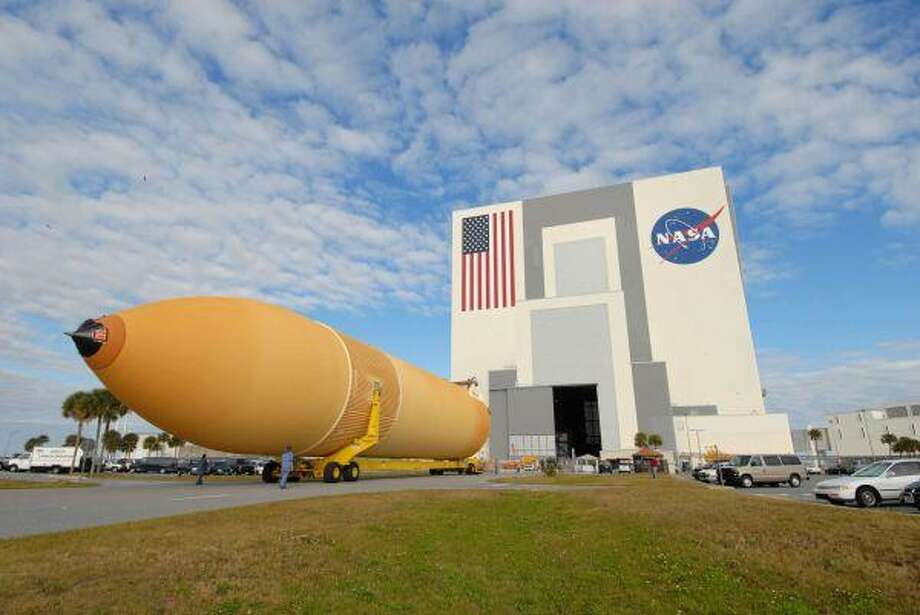 External Tank 130 rolls toward Kennedy's Vehicle Assembly Building and will be used on the STS-125 Hubble servicing mission. ET 130 was previously designated for the STS-127 mission.