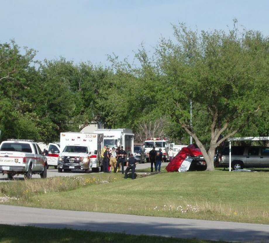 A one-vehicle accident occurred April 8, on Estate Drive in Deer Park, claiming the life of 21-year-old Pasadena resident, Ismael Gerardo.