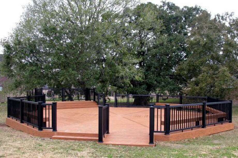 Missouri City unveils new Freedom Tree outdoor classroom.