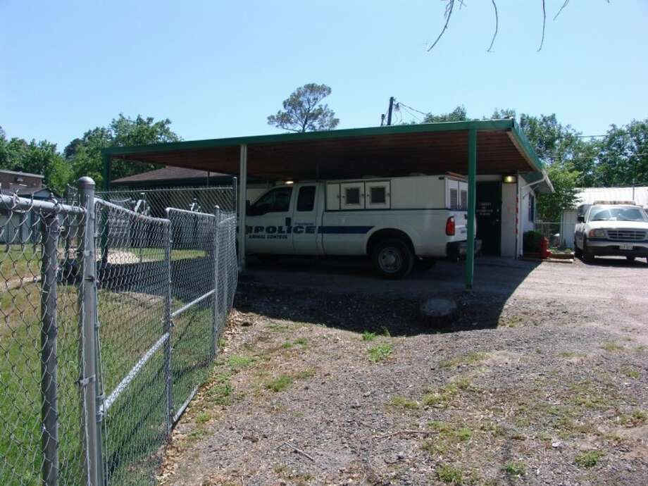 The current City of Friendswood Animal Control Facility at 1322 Deepwood Drive.