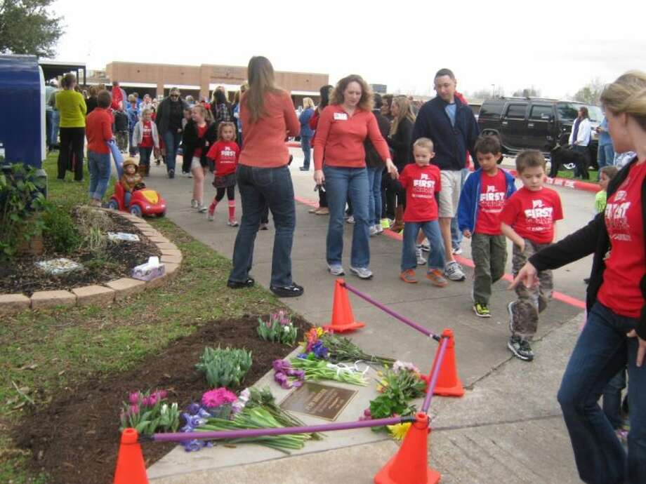 More than 850 students, teachers, parents and dogs participated in Cline Elementary's Annual Walk for Diabetes fundraiser. Photo: JEFF NEWPHER