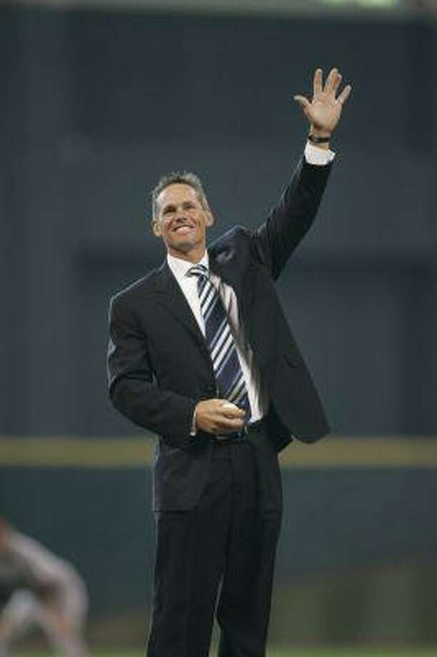 The Houston Astros retired Craig Biggio's No. 7 during a pre-game ceremony Sunday at Minute Maid Park.