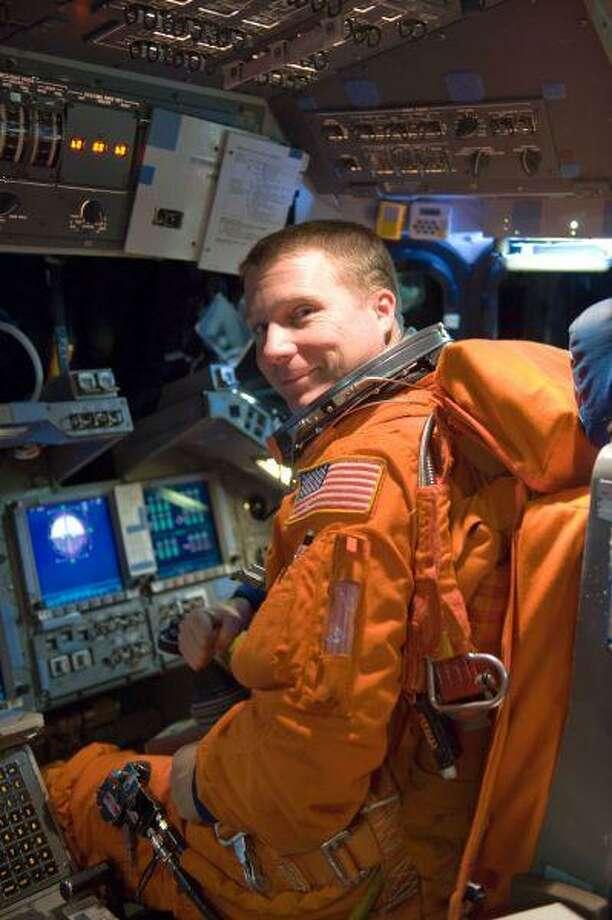 Photo: JAMES BLAIR / NASA/JSC