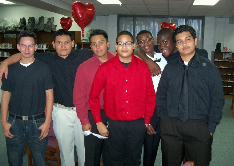 Hodges Bend Middle School's Future Chiefs Boys Club honors mothers ...