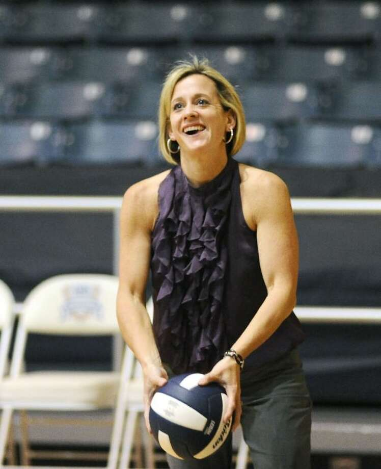 Lori McLaughlin, who helped Dawson become a perennial playoff contender, has accepted the job of head volleyball coach and girls' athletic coordinator at Fort Bend Ridge Point High School. Photo: Kirk Sides