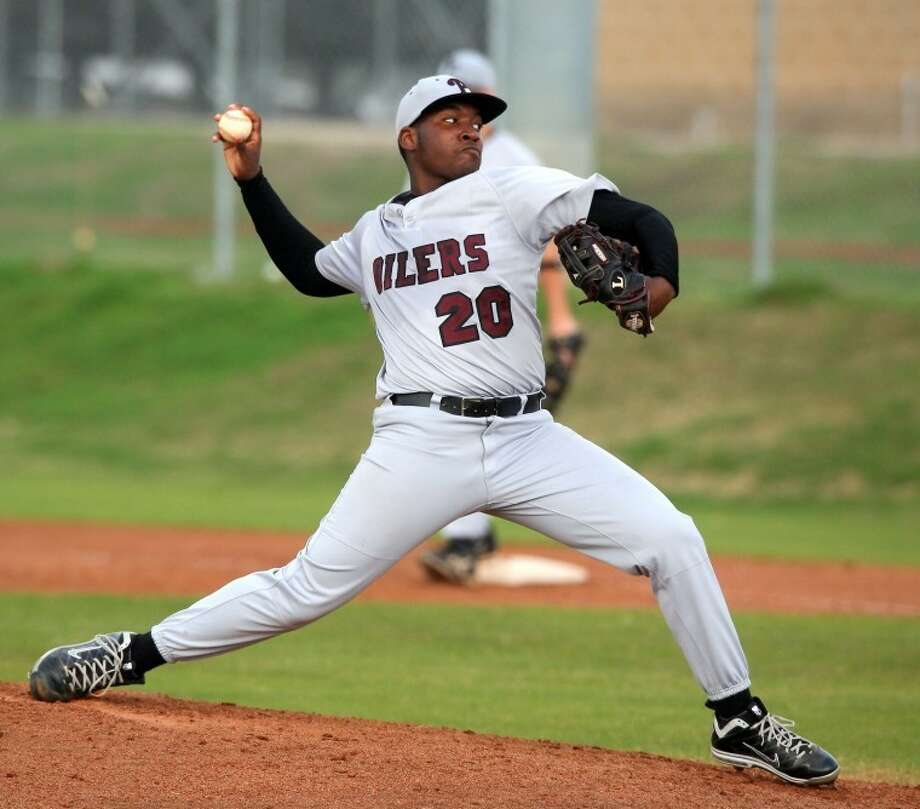 Pearland's Otis Latin threw a one-hitter and struck out 17 against Clear Creek on Wednesday night. Photo: Kar B Hlava