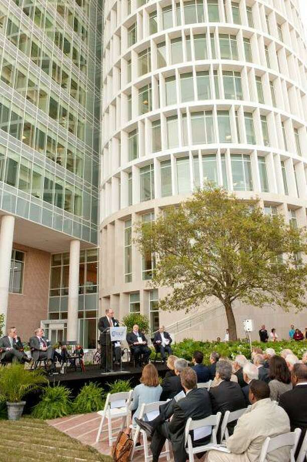 Provost Eugene Levy addresses the crowd at the BioResearch Center dedication. / Rice University