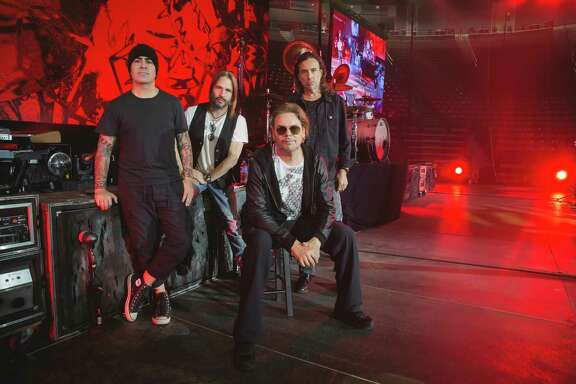 Rock band Mana is encouraging fans to vote in November via the Latino Power Tour.