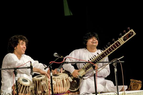 Tabla player Zakir Hussain and sitar player Niladri Kumar