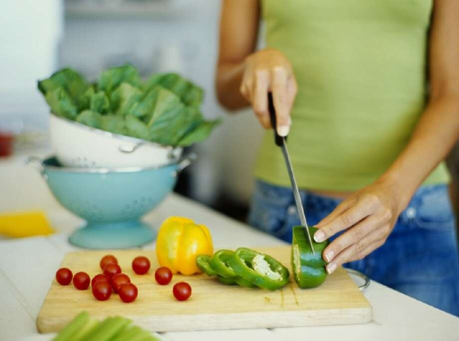 L.I.F.E.'s May 30, class shows moms how to make light, refreshing summer meals. Photo: © Royalty-Free/Corbis