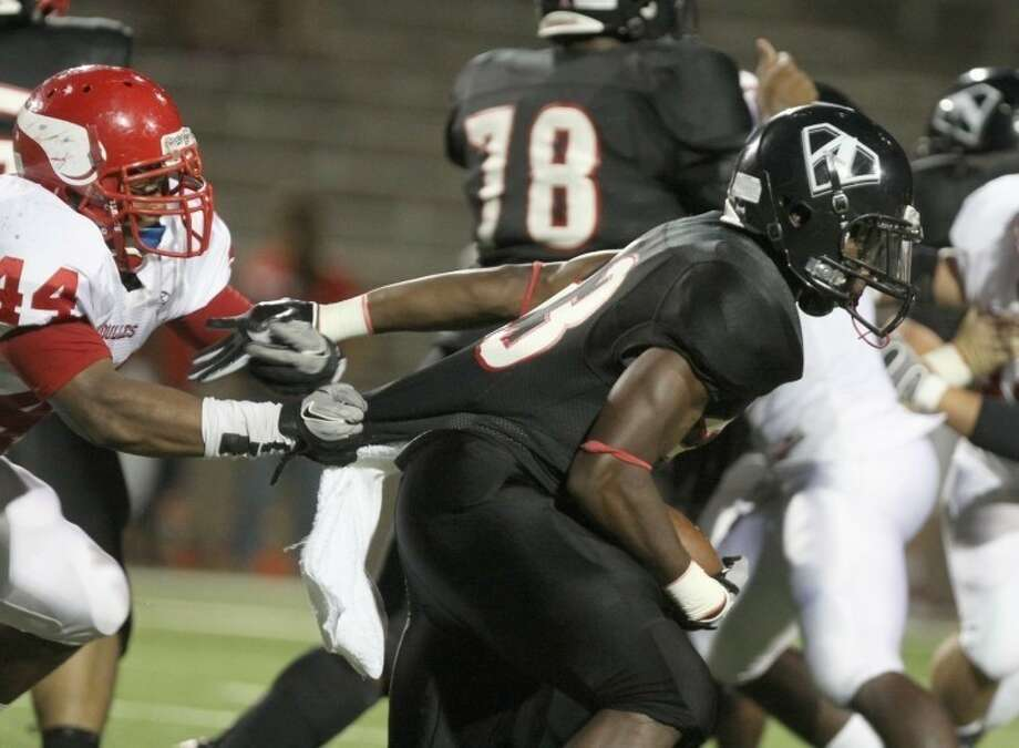 Defending District 23-5A champion Austin opens district play against Dulles in Week 4, Sept. 26 at Mercer Stadium. Photo: Alan Warren