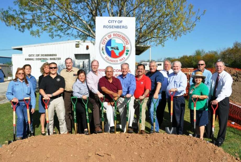(L to R) are: Jackie Jurasek and Renee McAnally (Rosenberg Animal Control); Cyndy Powell, Lt. Wayne Jory, and City Manager Jack Hamlett (City of Rosenberg); Councilor Cynthia McConathy, Councilor Dwayne Grigar, Councilor Joe Segura, Mayor Vincent M. Morales, Jr., Councilor Juan Salazar, and Councilor Tom Suter; Malcolm Gaus (RWS Architects); Bob Bass and Mike Nice (Bass Construction); City of Rosenberg Project Director Melissa Peña, and John Robertson (RWS Architects).