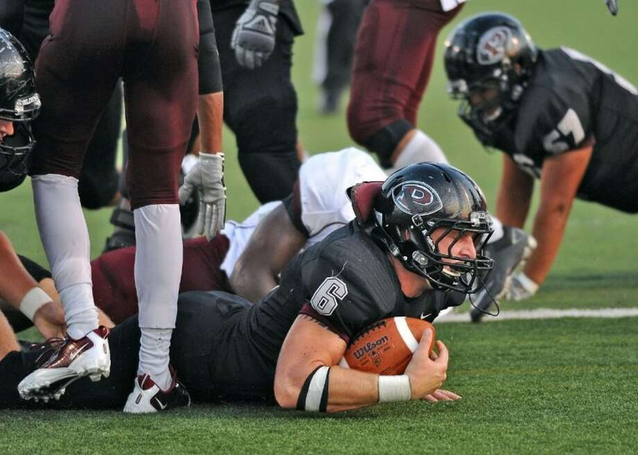 Pearland's John Gibberman (6) is one of several key returnees for the Oilers who begin spring drills in three weeks. Photo: FILE PHOTO