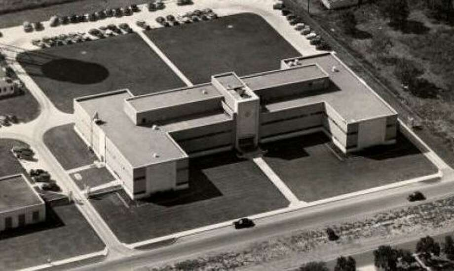 The Shell 'campus' on Bellaire Boulevard, as seen in a 1949 photo. The historic research operations are moving to two other Shell facilities.