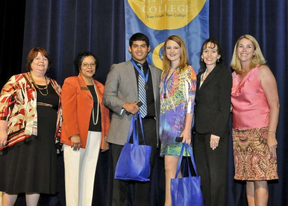 San Jacinto College (SJC) South Campus students Ivan Quiñones and Courtney Elliott received awards for the South Campus Outstanding Student of the Year at the annual South Campus Student Awards Ceremony. Quiñones serves as president and Elliot as vice president of the Alpha Gamma Zeta Chapter of the international community college honor society, Phi Theta Kappa (PTK). Quiñones also received the South Campus PTK Officer of the Year. Elliott earned the South Campus Best English Paper Award, and South Campus Phi Beta Lambda Student of the Year. In the Fall, Quiñones will attend the University of Houston and Elliott will attend Texas A&M University. Pictured, left to right, are Kathyrn Roosa, South Campus dean of liberal arts; Dr. Brenda Jones, South Campus dean of business and technology; Ivan Quiñones; Courtney Elliott; Dr. Toni Pendergrass, South Campus vice president for learning; and Joanna Zimmerman, South Campus dean of student development. Photo: Andrea Vasquez