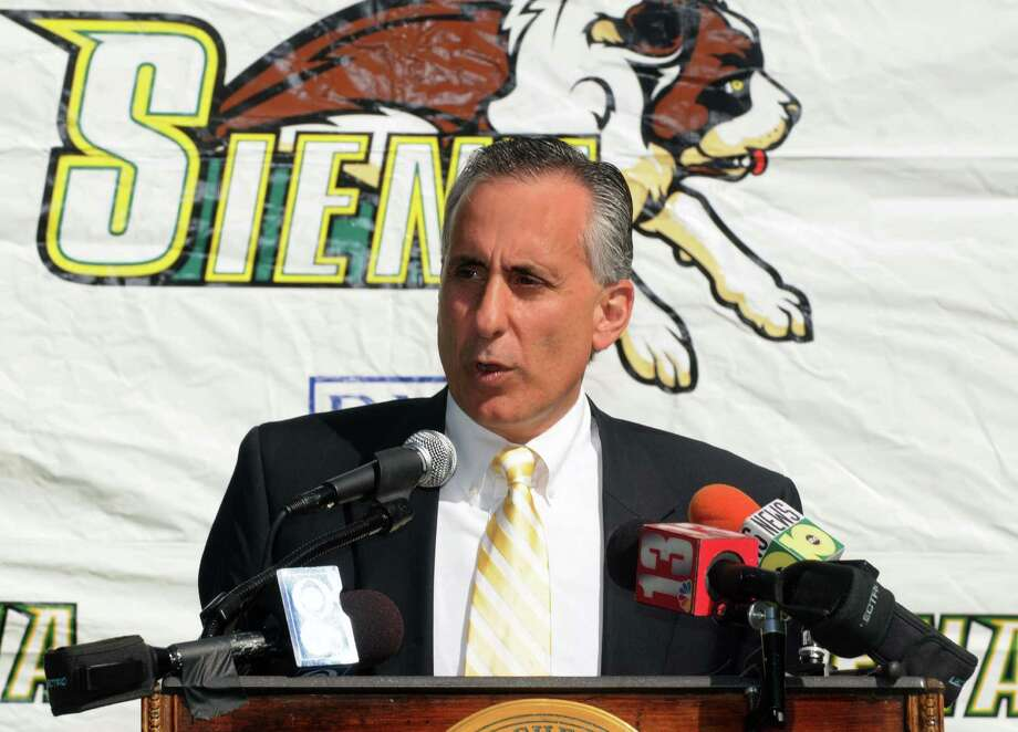 Times Union Photo by James Goolsby-Sept. 16, 2008-Siena College Athletic Director, John D'argenio. Speaks during press conference. Photo: JAMES GOOLSBY / 00000326A