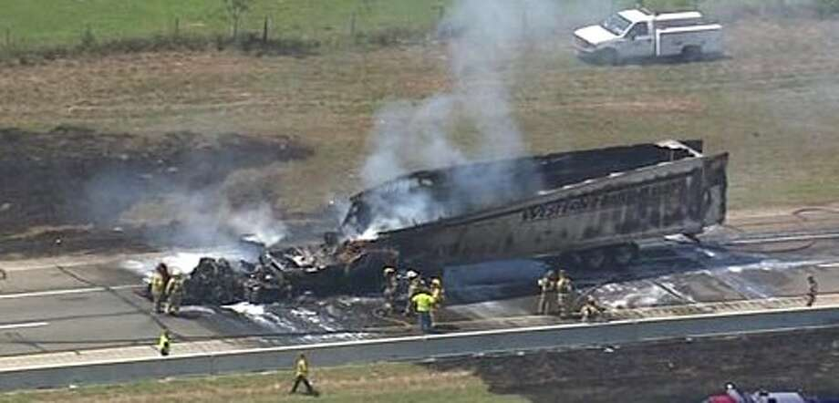 Two big rigs cashed on I-10 in Sealy. Photo: Photo Courtesy Of ABC 13
