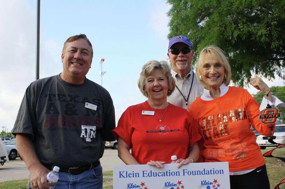 KEF directors congratulate Schultz Elementary Shape Up Schultz grant winners. Photo: From KISD