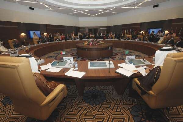 General view of a meeting of oil ministers of the Organization of the Petroleum Exporting countries, OPEC, in Algiers, Algeria, Wednesday,  Sept. 28, 2016. Officials from the Organization of the Petroleum Exporting Countries will meet informally on the sidelines of an energy conference in Algiers to try to find common ground on how to stabilize oil markets. (AP Photo)