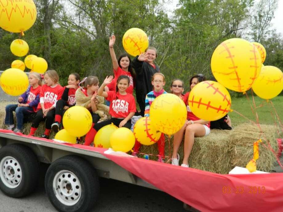 Tomball Little League on parade