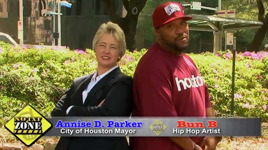 """Mayor Parker and Hip Hop Artist Bun B tell Houstonians """"It can wait"""" when it comes to texting and driving."""