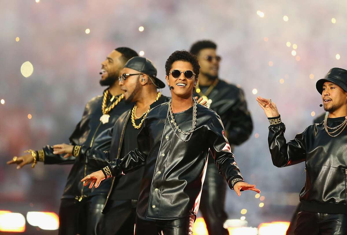 Bruno Mars will be performing at Mohegan Sun in Uncasville on Friday as part of the casino's 20th anniversary. Find out more.