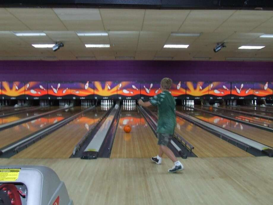 Local Bowling Center Takes Fun To The Xtreme