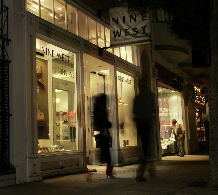 Nine West Bondholders have been working with advisers since at least September to come up with a financial rescue plan, but analysts say the company is most likely heading toward a distressed exchange or restructuring.