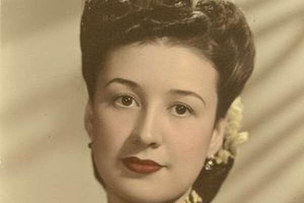 Rosalinda E. Elizondo, who was born in Mexico, married a young American entrepreneur when she was 24.