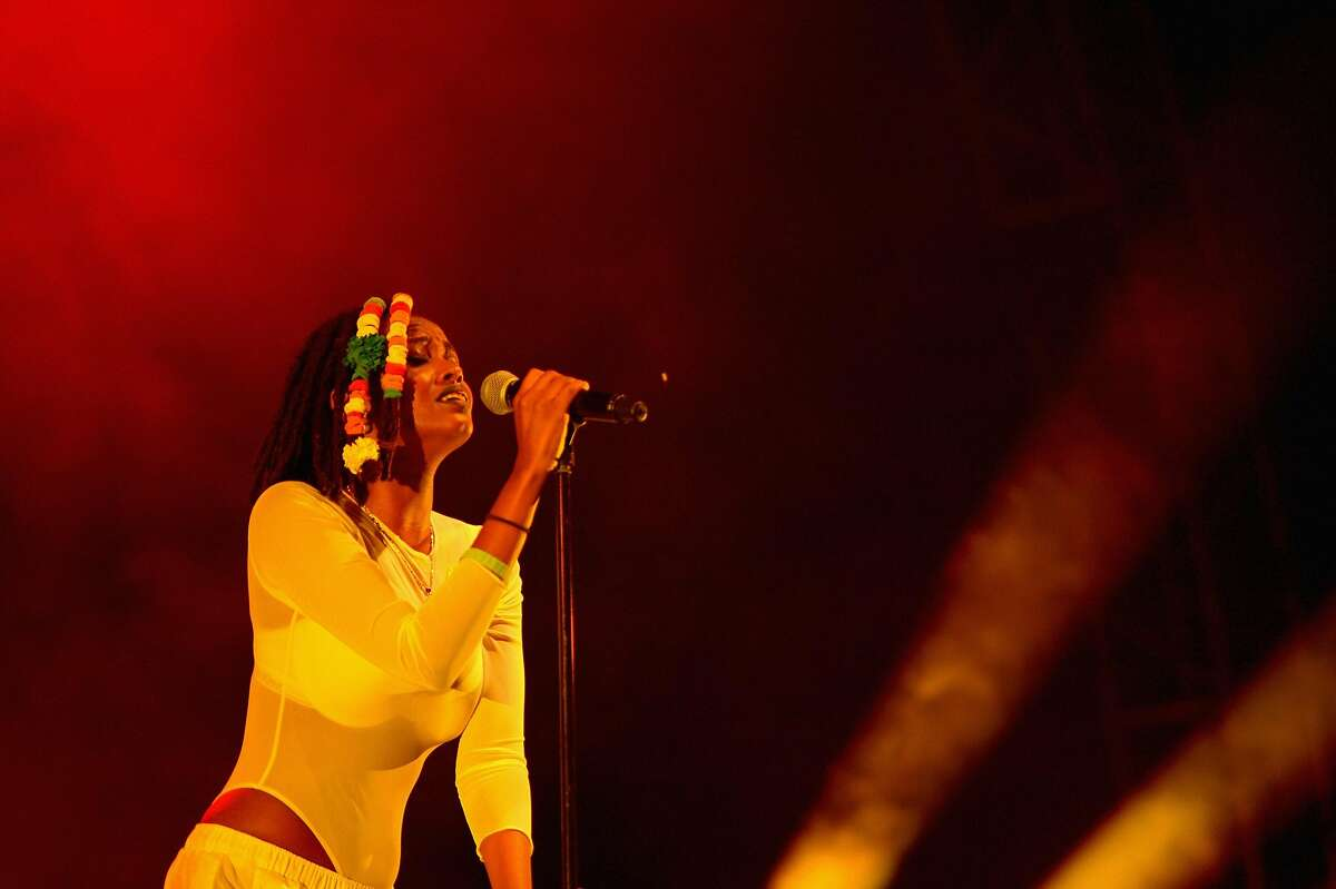 LOS ANGELES, CA - AUGUST 27: Singer Kelela performs onstage during FYF Fest 2016 at Los Angeles Sports Arena on August 27, 2016 in Los Angeles, California. (Photo by Matt Winkelmeyer/Getty Images for FYF)