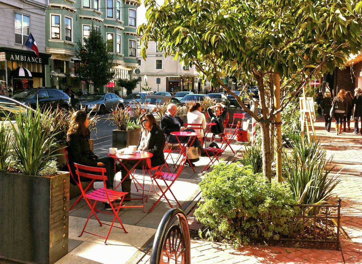 Noe Valley: This neighborhood in the city's notably sunny southeast quadrant is protected from the coastal cool by Twin Peaks.